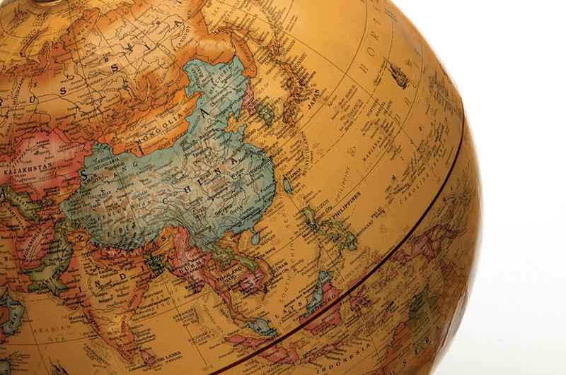 FA-Globe1213_13842755581677